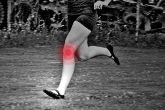 跑步后膝盖疼痛?休息+理疗必不可少-前叉之家